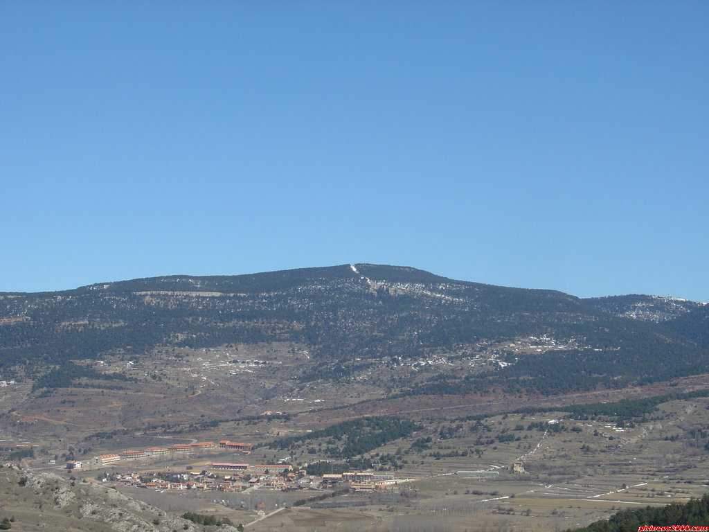 Pico Peñarroya. Imagen: pirineos3000