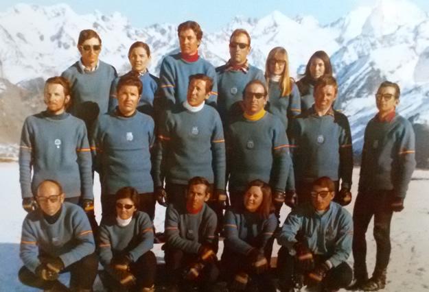 Escuela de Esqui de Formigal en 1970. Mariano Fanlo en el centro