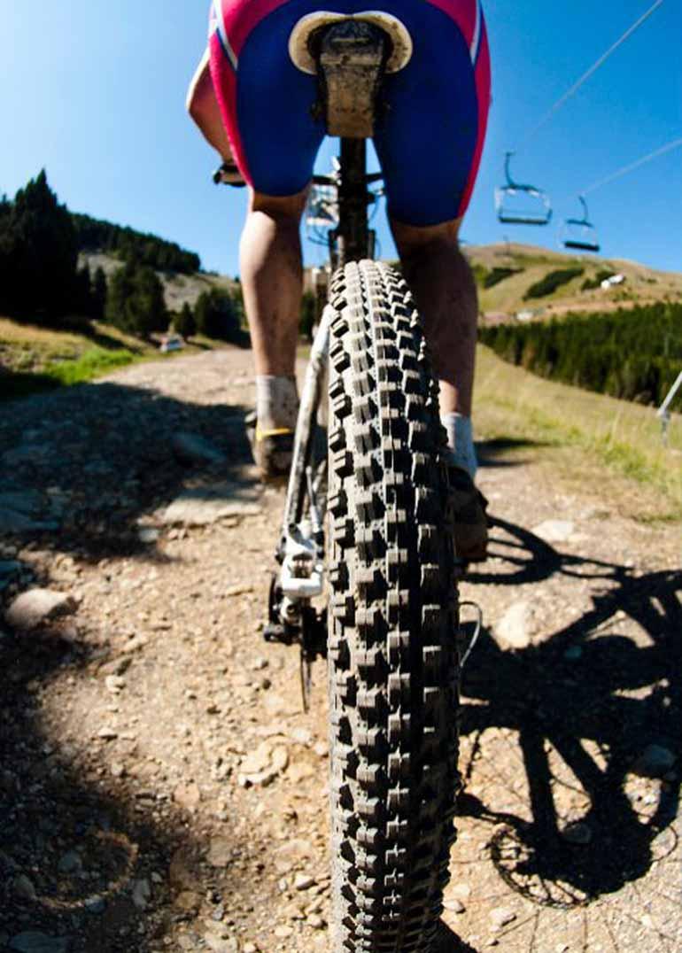 En bicicleta a la cima del Pico Peñarroya (Gúdar-Javalambre)
