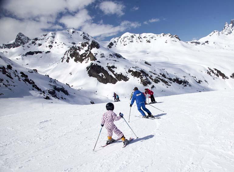 Nuevas nevadas y 252 kilómetros de nieve polvo en Aramón