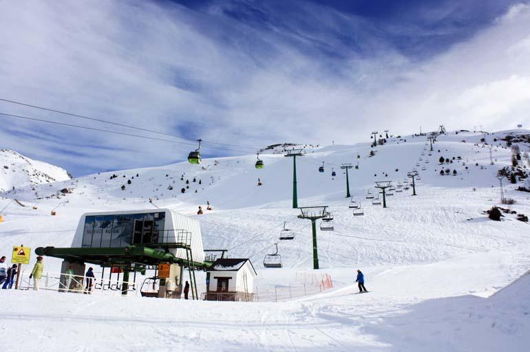 Aramón finaliza la temporada superando el millón de esquiadores