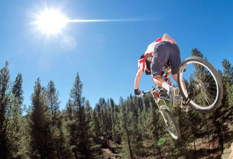 La bicicleta de montaña, protagonista del fin de semana en Cerler y Panticosa