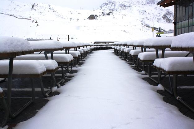 Las estaciones de aram n reciben m s de 20 cent metros de for Jardin de nieve formigal