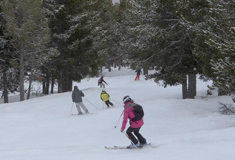 Qué llevar en tu mochila de esquí