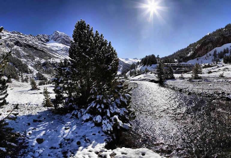Los valles tras la temporada de esquí. ¡Aún queda vida en la montaña!