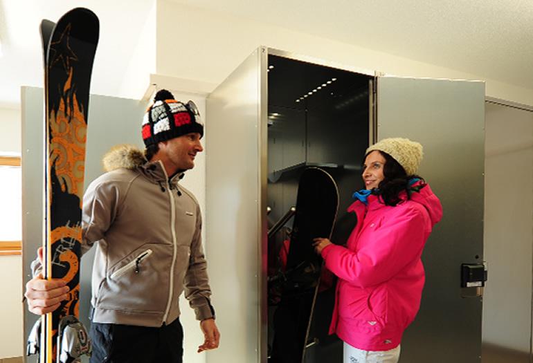 Cómo guardar y mantener el material de nieve / esquí y snow