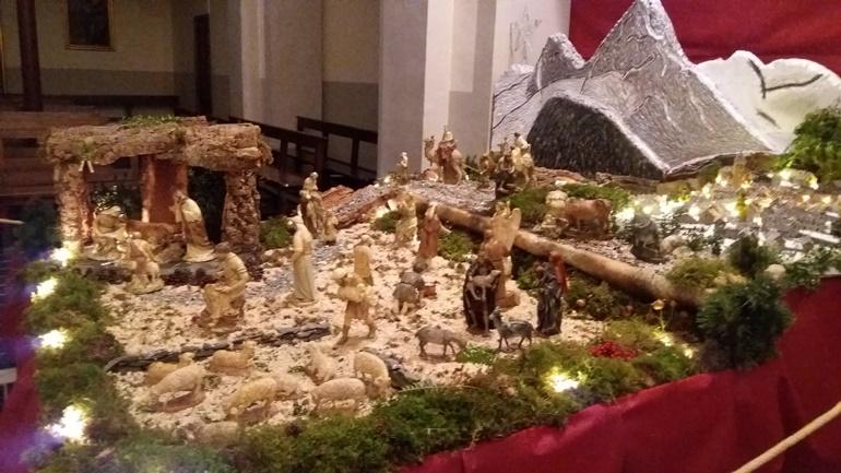 Mercado navideño, belenes, conciertos y cabalgata, en el valle de Tena