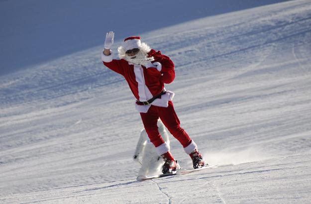 Papá Noel sobre esquís, campanadas de altura y descensos de antorchas en esta Navidad
