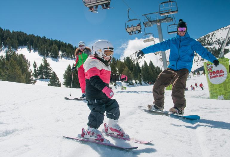 5 cosas que tienes que saber para esquiar con nieve primavera