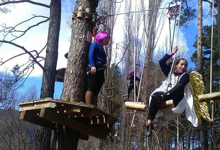 Biescas Aventura, un buen plan para divertirse entre árboles