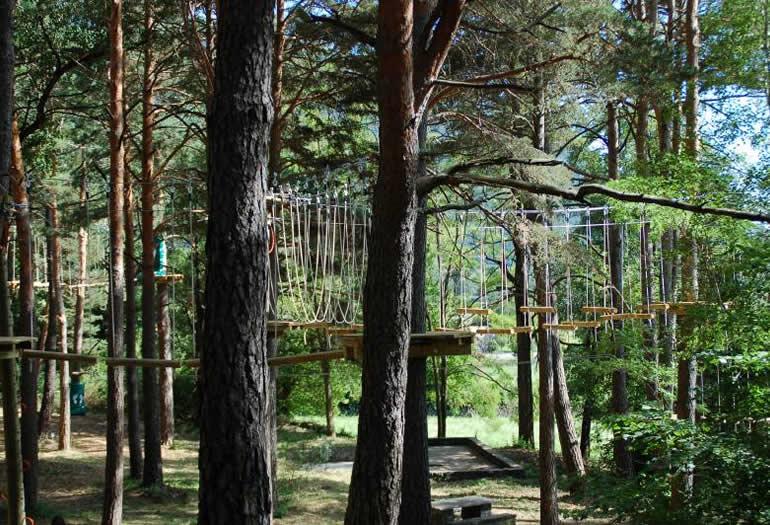 biescas-aventura-árboles-parque