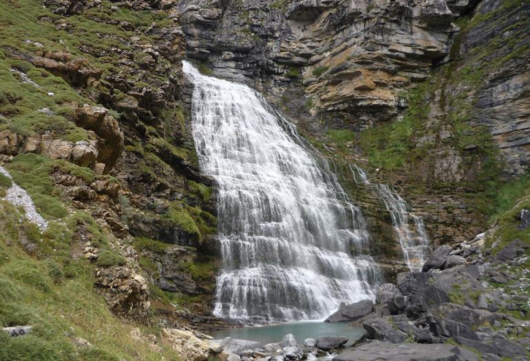 Un paseo por las espectaculares cascadas de Ordesa