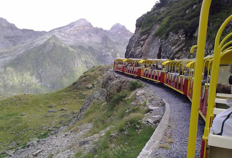 El tren de Artouste es el ferrocarril que circula a mayor altitud de toda Europa.