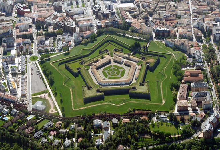 Vista aérea de la Ciudadela de Jaca, que puede visitarse por dentro y por fuera