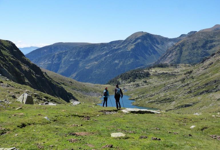 En el camino, los senderistas encontrarán varios ibones.