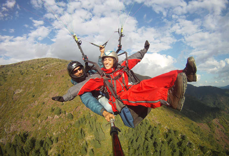 Tres planes aéreos en el Pirineo