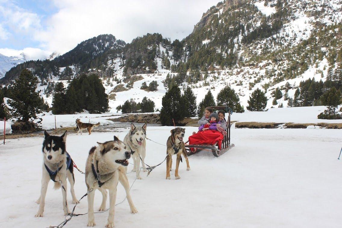 ¡No todo es esquiar! Planes en familia para hacer en el valle de Benasque