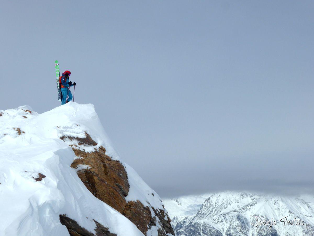 La importancia del trabajo psicológico en el esquí desde la perspectiva de una freeride
