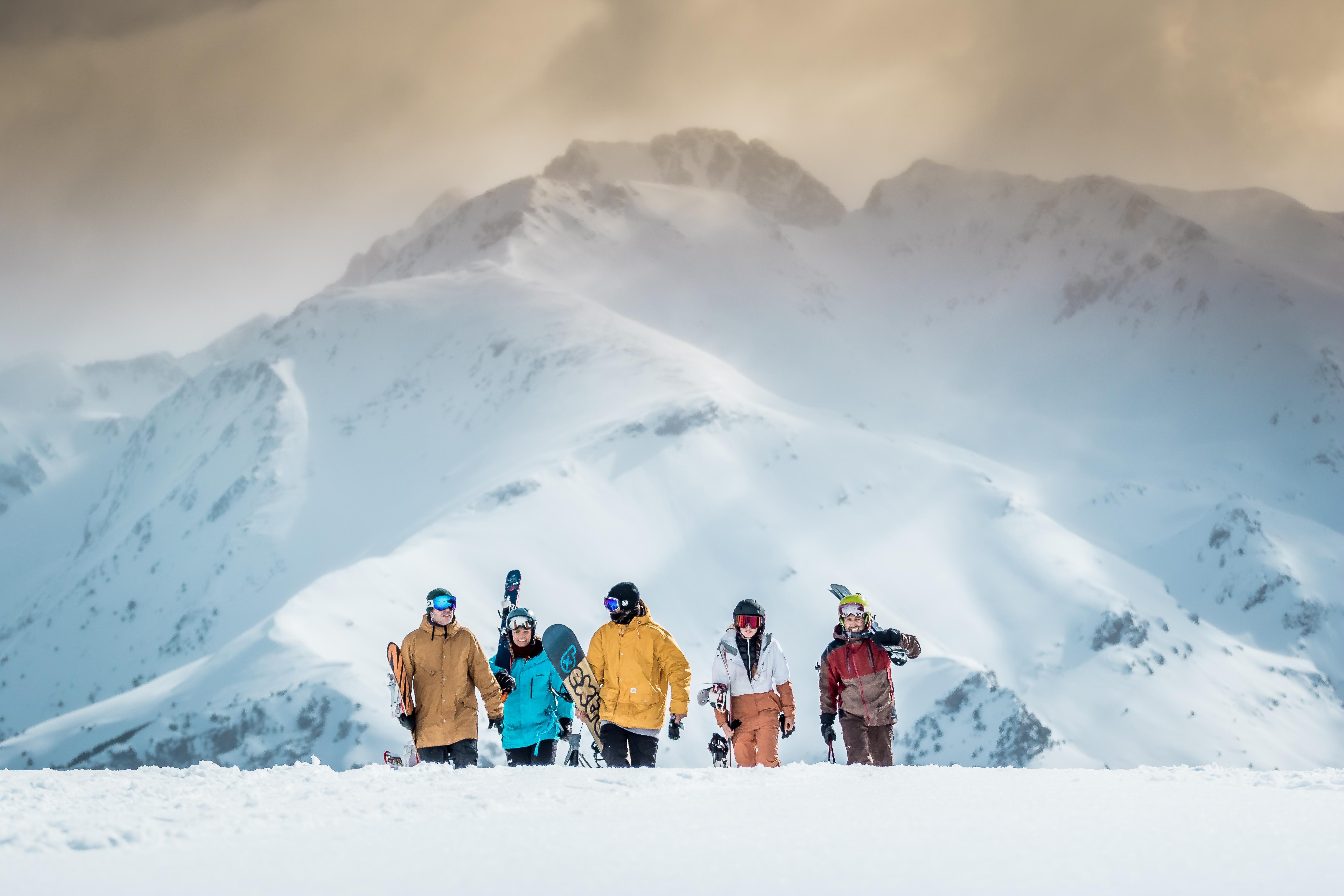 Chaquetas para la nieve: qué debe tener tu prenda de invierno preferida
