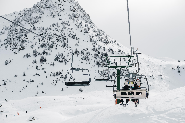 ¿Cuál es el origen de las estaciones de esquí?