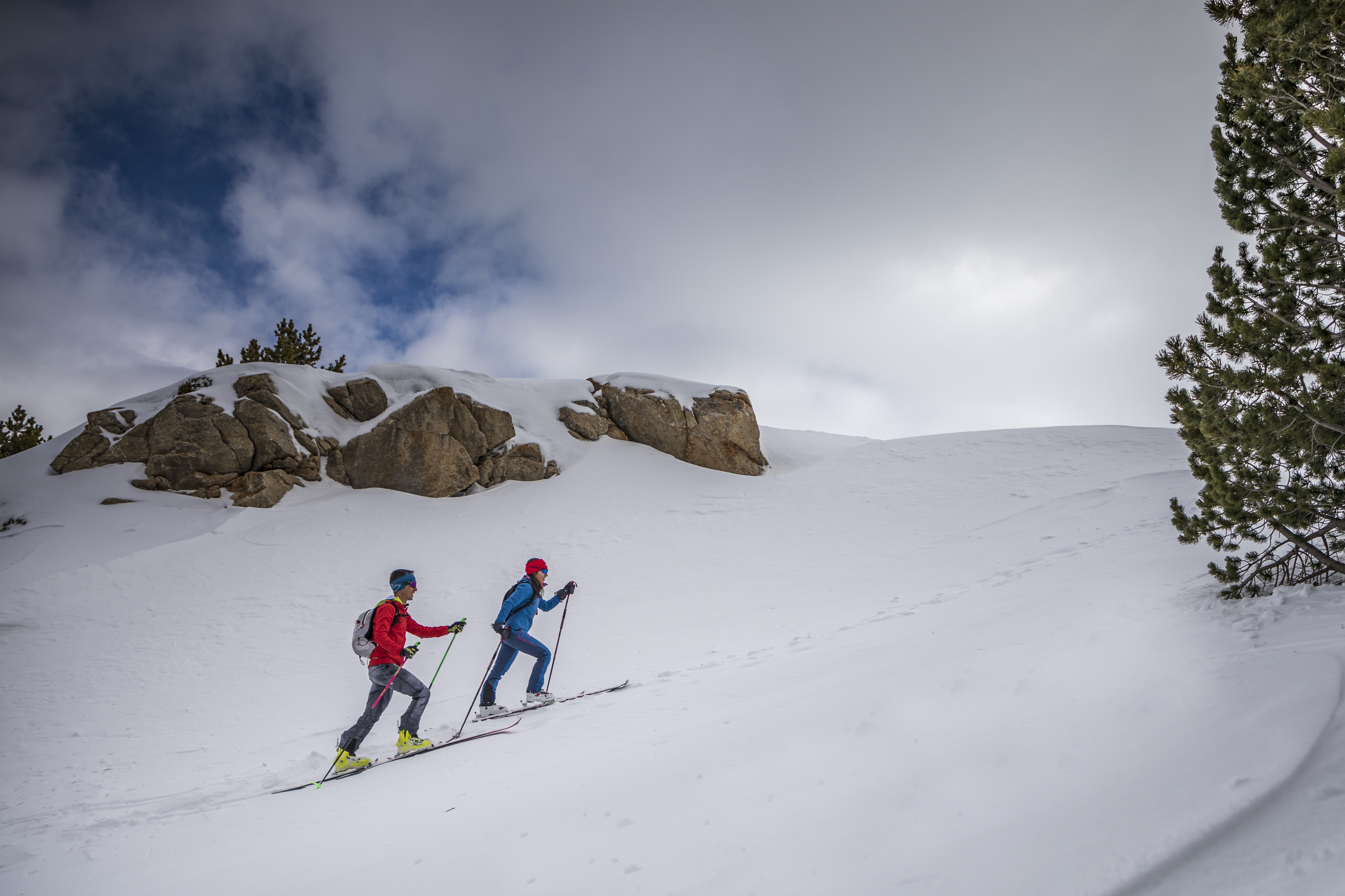 ¿Qué es el esquí de travesía o esquí de montaña?
