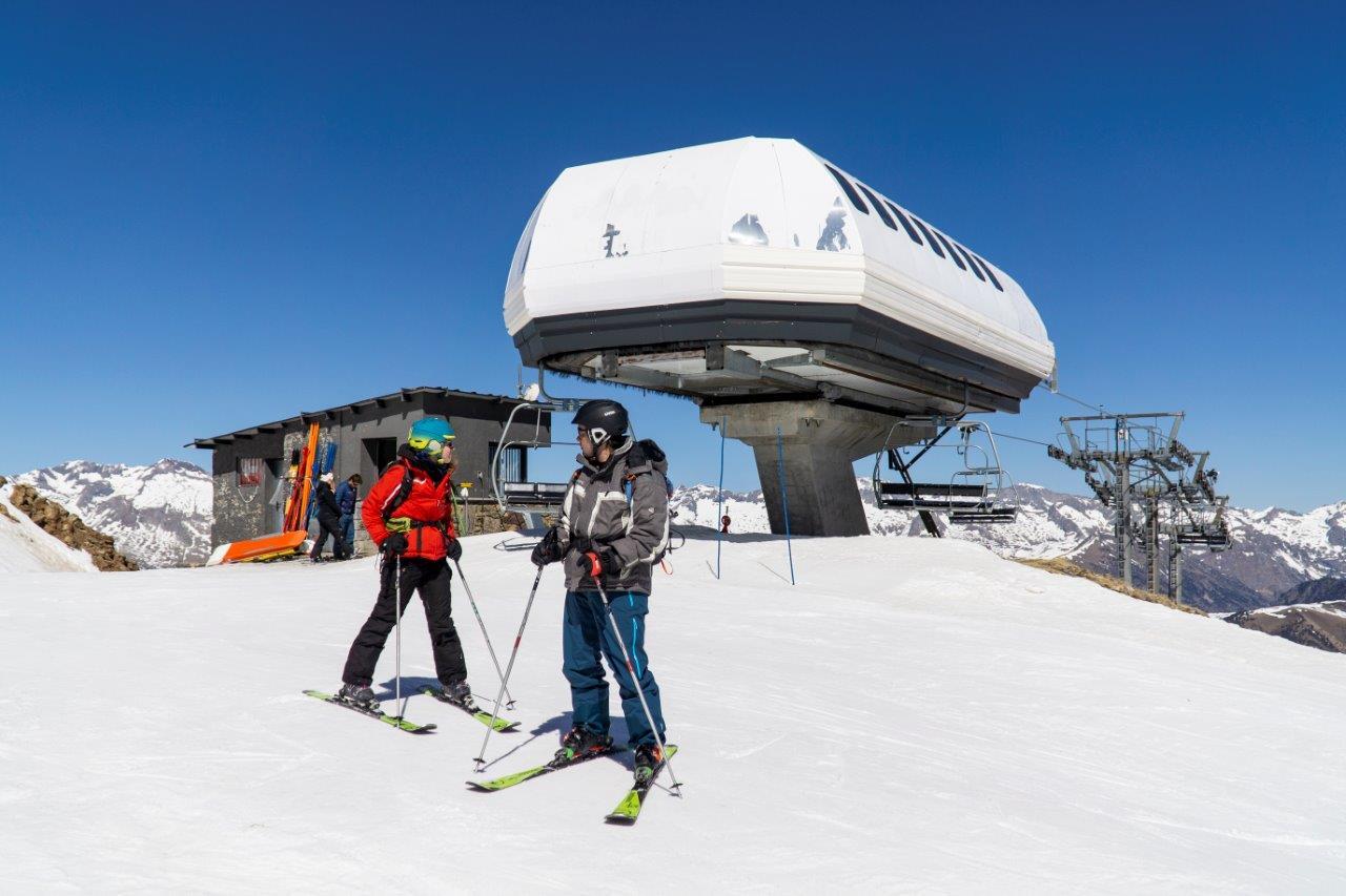 Música en el après-ski, competiciones en pistas y más experiencias en la nieve para otro fin de semana de esquí en Aramón