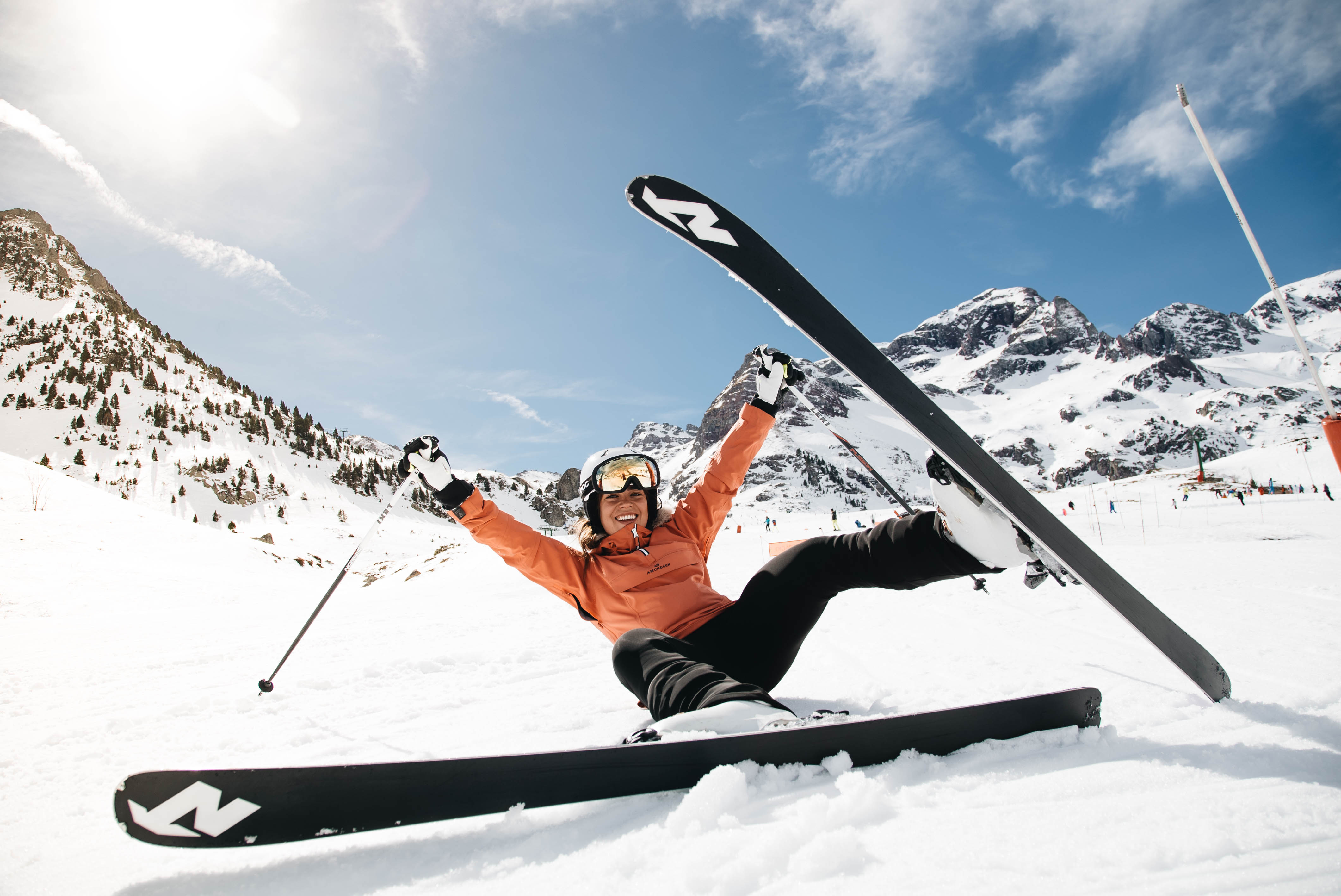 ¿Cómo levantarse cuando te caes con esquís?