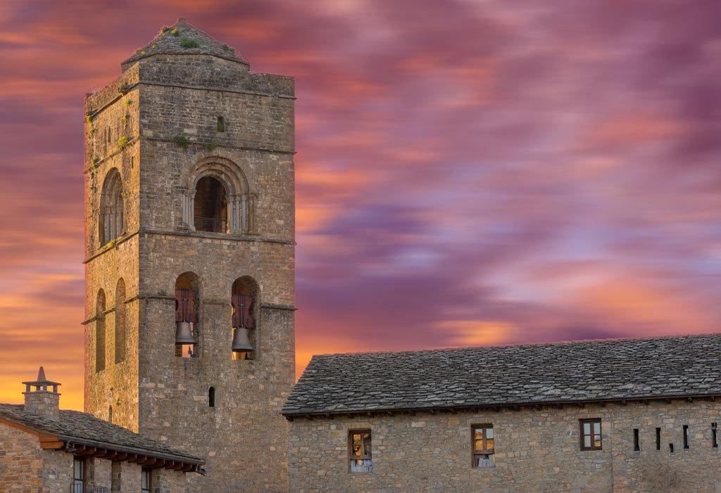 Jaca, Aínsa y Benasque, tres epicentros del Pirineo que debes conocer