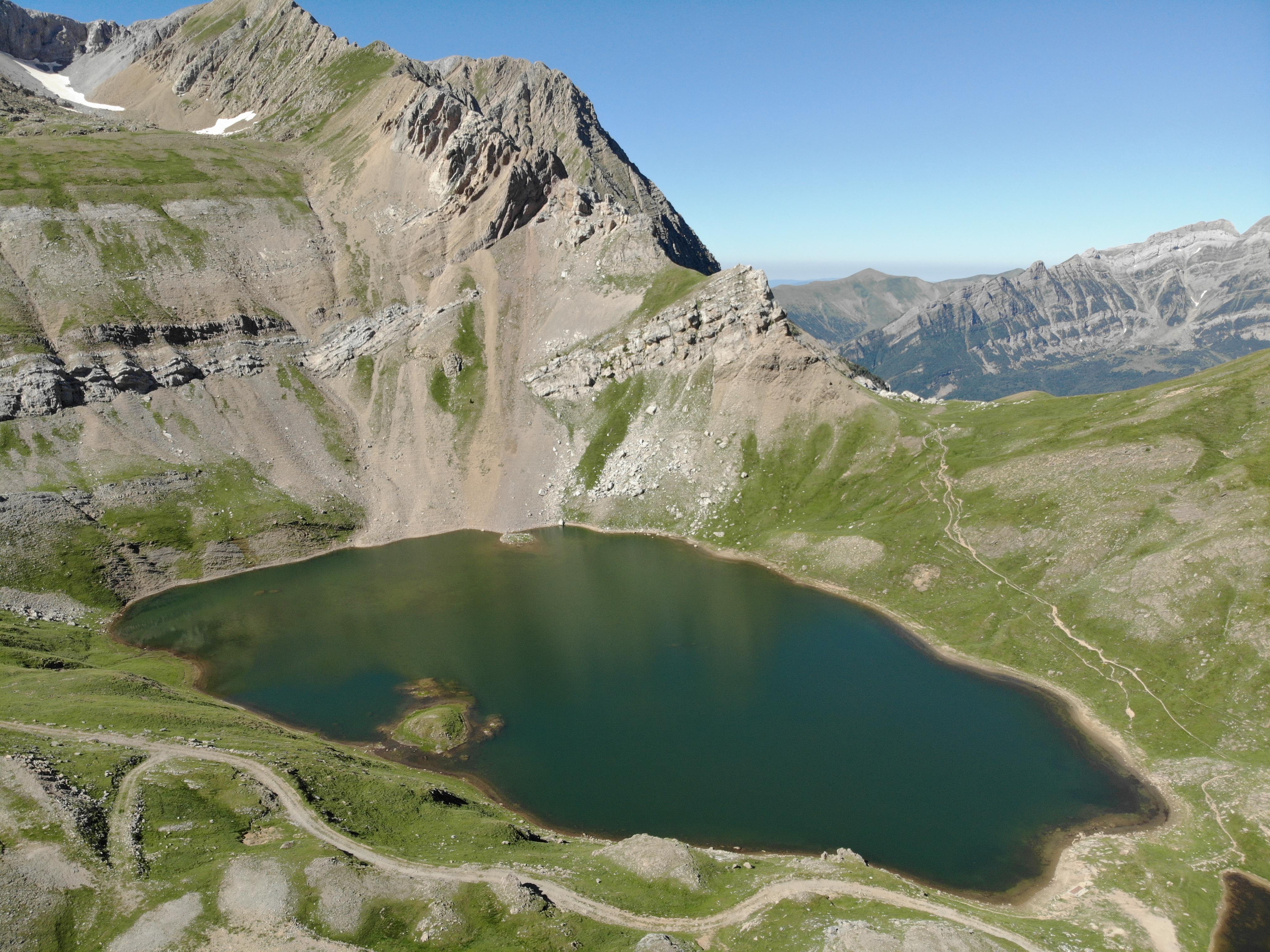 Pirineos Sur se funde con el territorio y el paisaje del valle de Tena