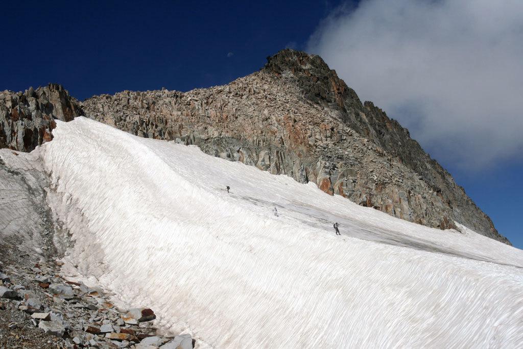 ¿Cuáles son los picos más altos de los Pirineos?