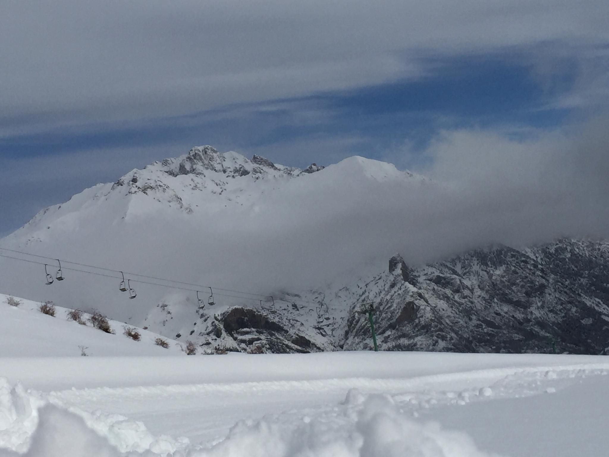 Abrimos Cerler y Panticosa este sábado ¿Quién se apunta a esquiar?