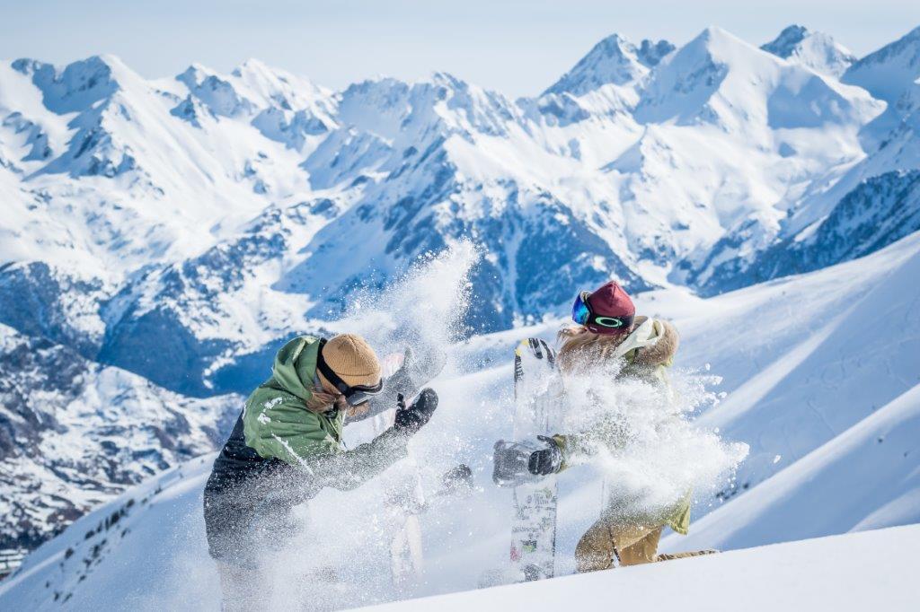 Razones por las que esquiar en pareja es buena idea
